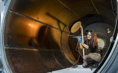 Southampton student experiments with wind tunnel