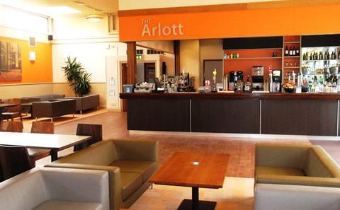 Arlott Bar