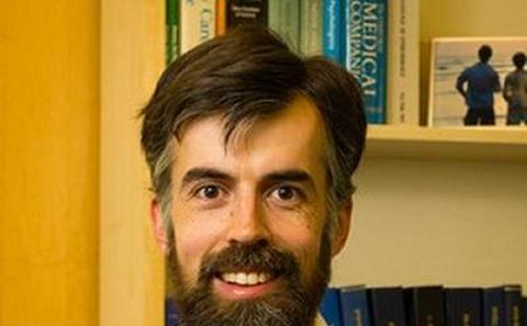 Dr Merlin L Willcox
