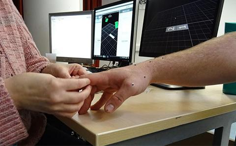 using motion capture to examine manual dexterity
