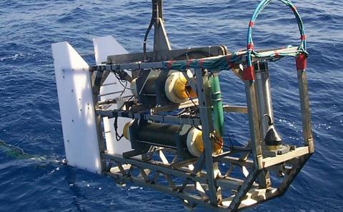 Seafloor EM