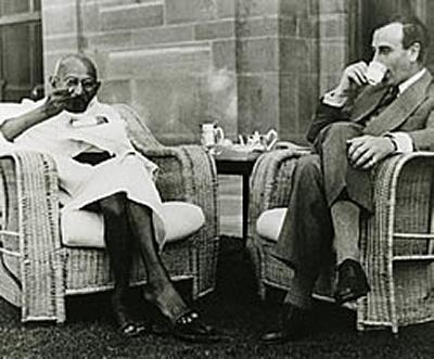 Gandhi's first meal eaten at the Viceroy's House, New Delhi, 1 April 1947