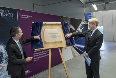 Unveiling the plaque in the experimental fluid dynamics facility