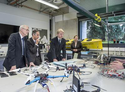 Minister visits UAV research labs