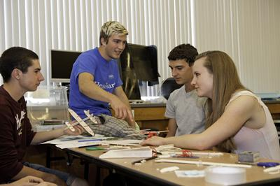 Students engaging in Headstart workshop