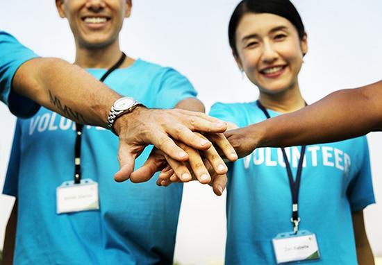 Develop team skills and make new friends volunteering