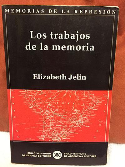 Los trabajos de la memoria book cover