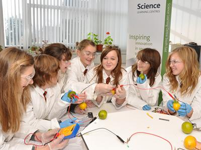 Dragonfly Day 2010 - Inspiring girls in science and engineering