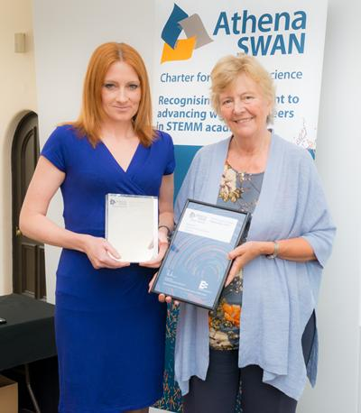 Dr Lynda Brown collecting Chemistry's Award