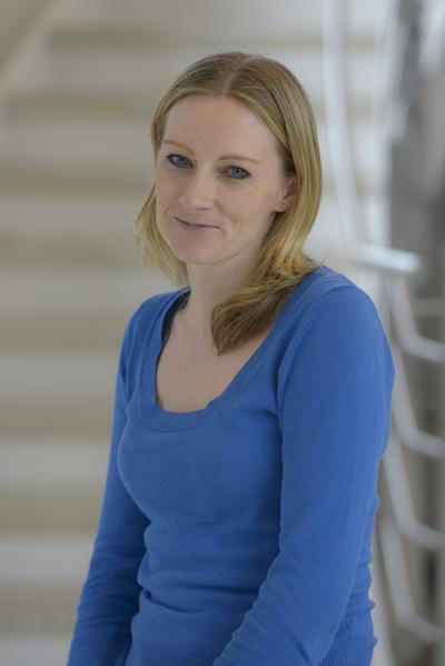 Dr Lynda Brown