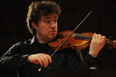Adrian Chandler performing