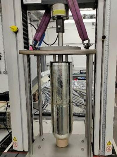 Glass dewar and test rig assembly for cryogenic testing.