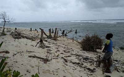 Shoreline erosion on Fanalei Island