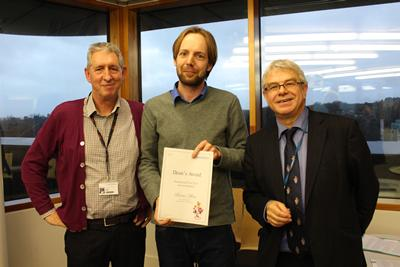 Benno Meier receives his prize