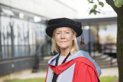 Dame Jennifer Roberts receives her honorary degree