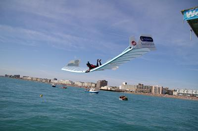 Jason Bradbury flying in the International Worthing Birdman competition