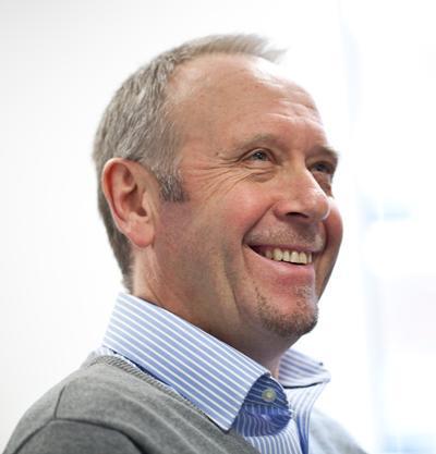 Dr Steve Wootton