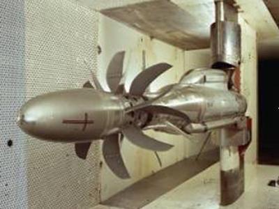 Rig140: 7 × 7 bladed 1/5 model open rotor in ARA transonic wind tunnel (1989).