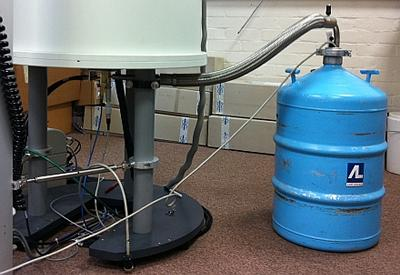 Liquid nitrogen evaporation can be used to cool the NMR probe for low temperature experiments.