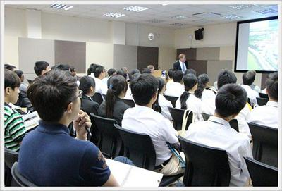You are taught through a combination of lectures, small group seminars and lab work