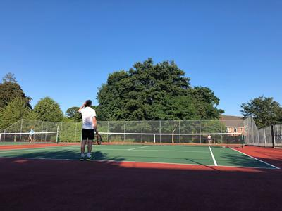 Tennis at Avenue