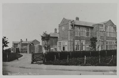 The Hartley library in 1919