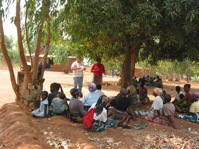 Participatory discussions about ecosystem services, Malawi
