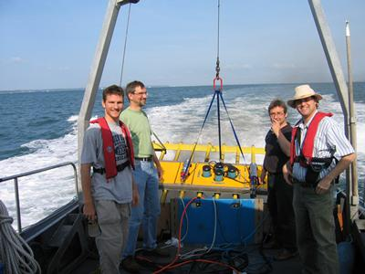 Deploying hydrophones