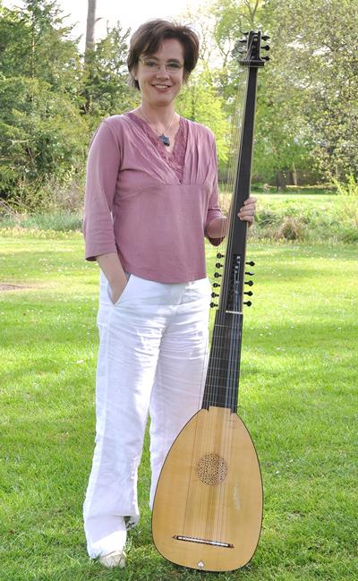 Lutist and Head of Early Music, Liz Kenny