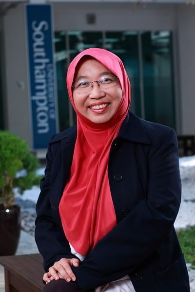 Dr Suhaila Mohd Sanip