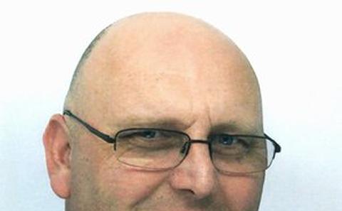 Dr Peter Oakley