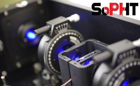 Device to measure liquid crystal properties