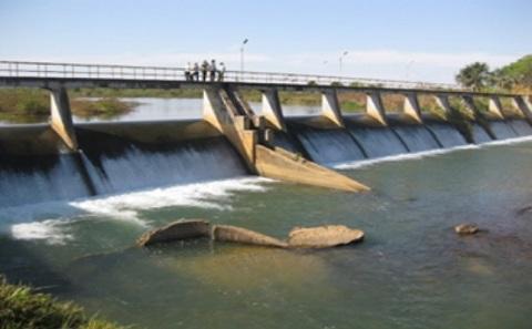 Redundant dams