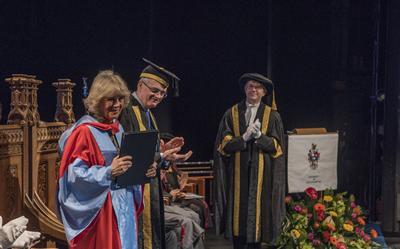 HRH receiving her Honorary Doctorat