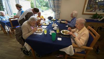 Person-centred care at mealtimes
