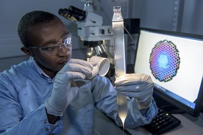 Solar fuel cell