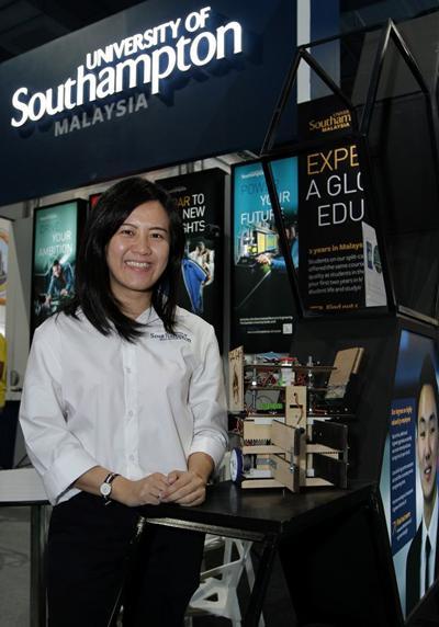 Dr Ch'ng Shiau Ying