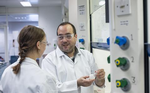 Dr Ramon Rios teaching in his lab