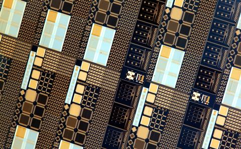 Image of memristor chip.
