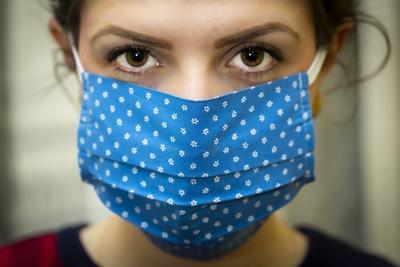 Coronavirus mask wearing