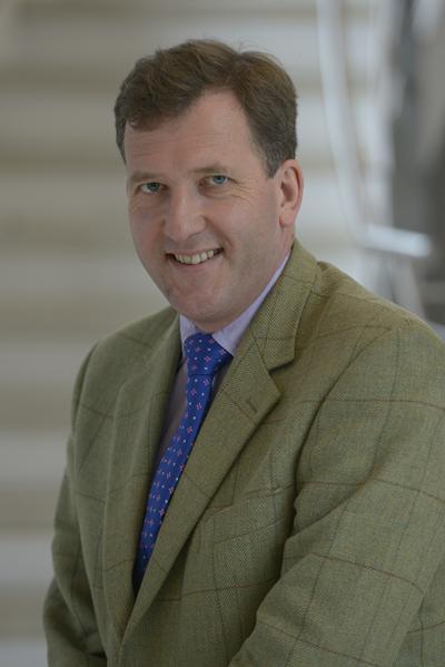 Dr David Kinnison
