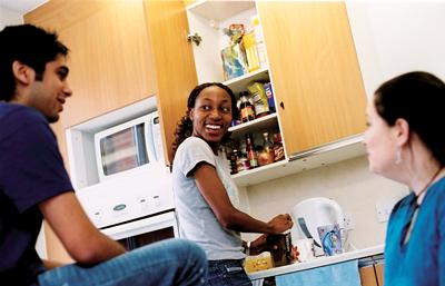 Students in a halls kitchen