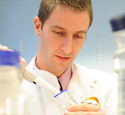 Dr Stuart Clarke