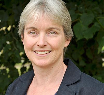 Dr Hazel Everitt