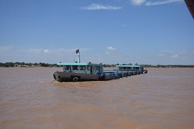 Sand mining vessel Credit: Jules Le