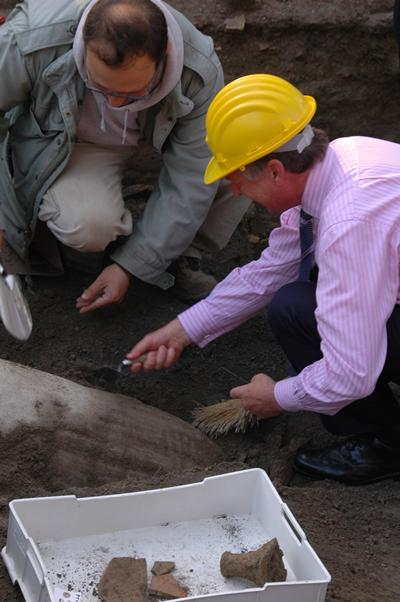 The Vice-Chancellor excavating