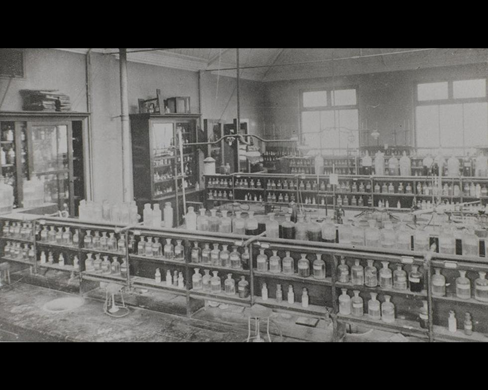 Laboratories: Chemistry laboratory, 1910