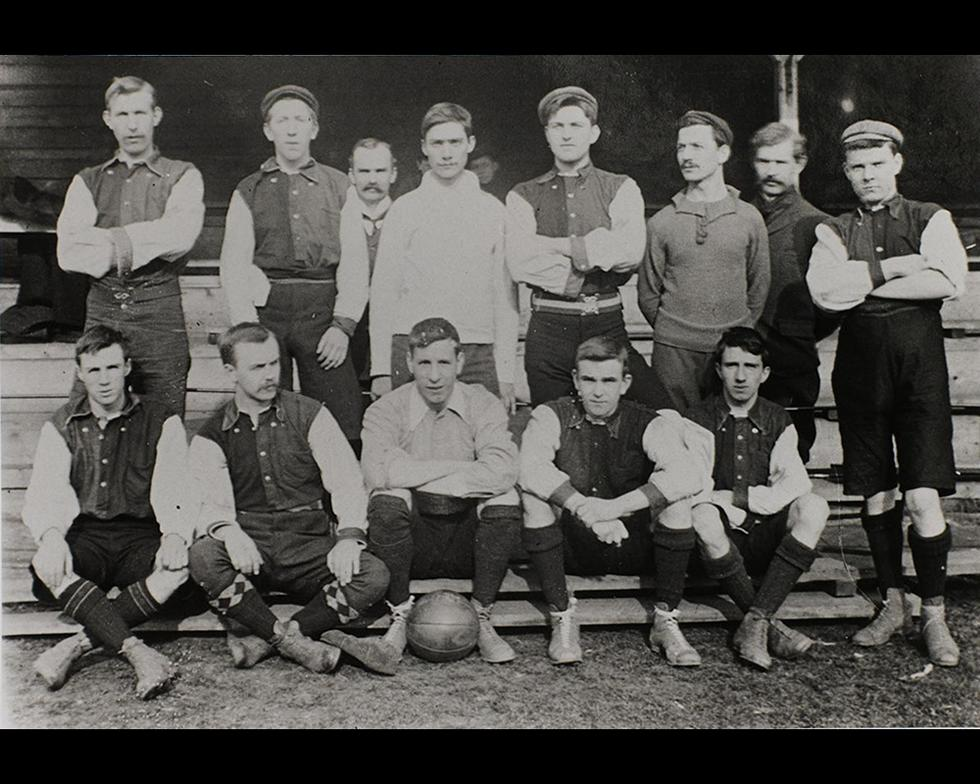 Sports: First football team, 1900