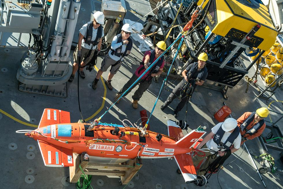 Deployment of autonomous underwater vehicle