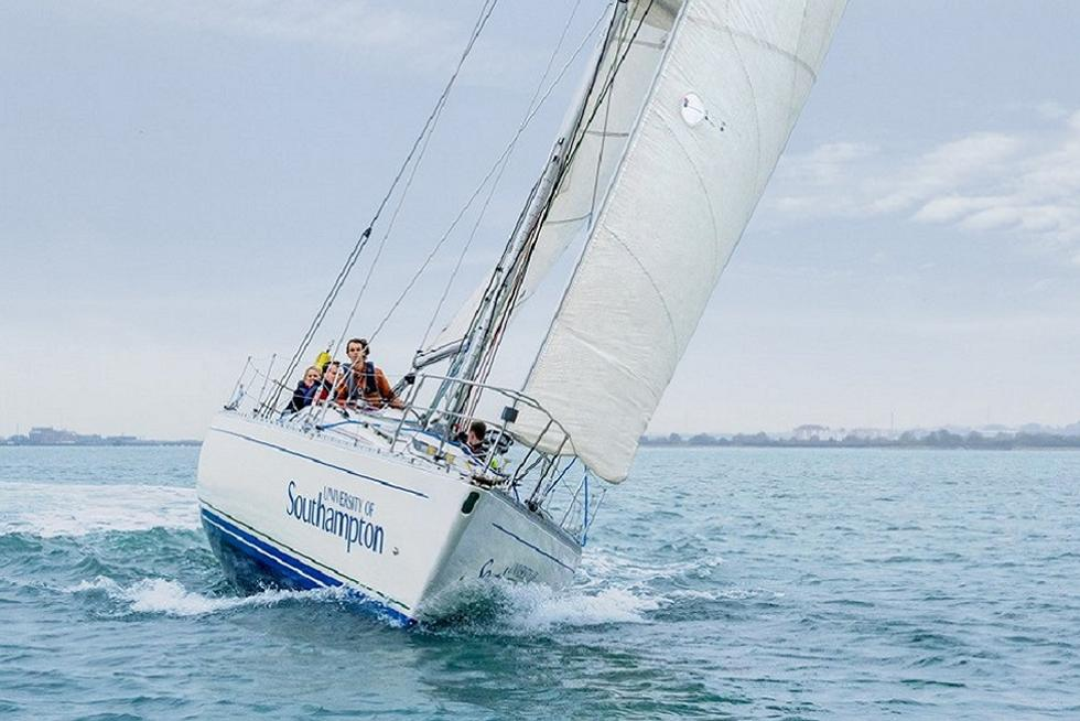 Sigma 38 Yacht